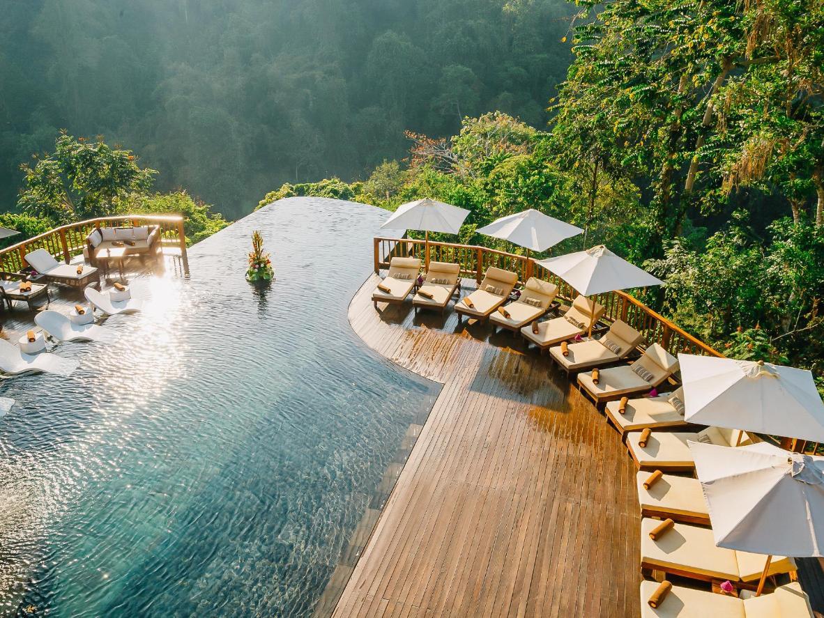 空中泳池_巴厘岛空中花园别墅 这家酒店 拥有一座美到不可思议的双层无边泳池