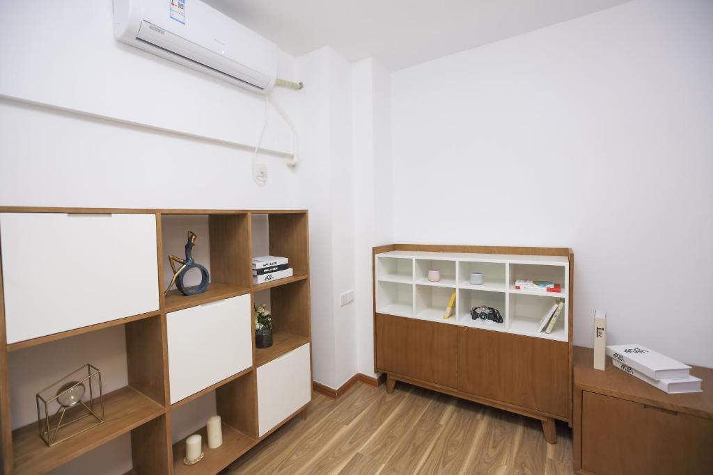 铂顿国际公寓岭南新天地店