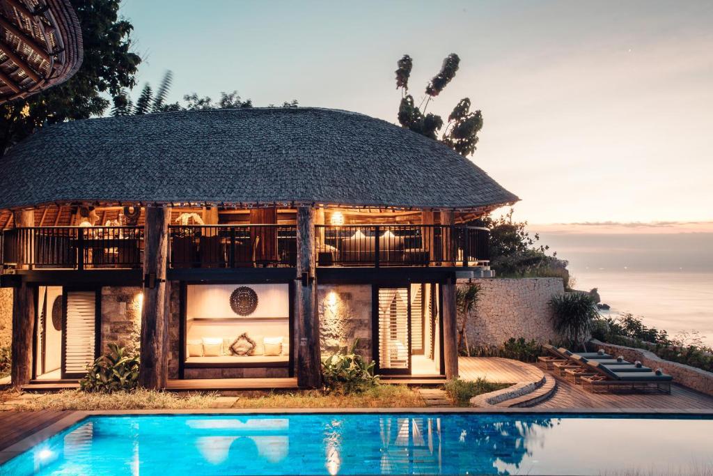 印尼 巴厘岛  努沙杜瓦半岛  乌鲁瓦图的酒店  苏嘉巴东度假村,乌鲁瓦