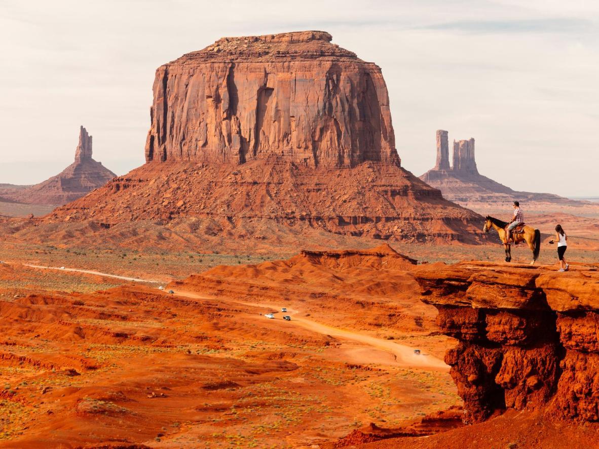 数百万年的大自然雕刻,形成了纪念碑谷