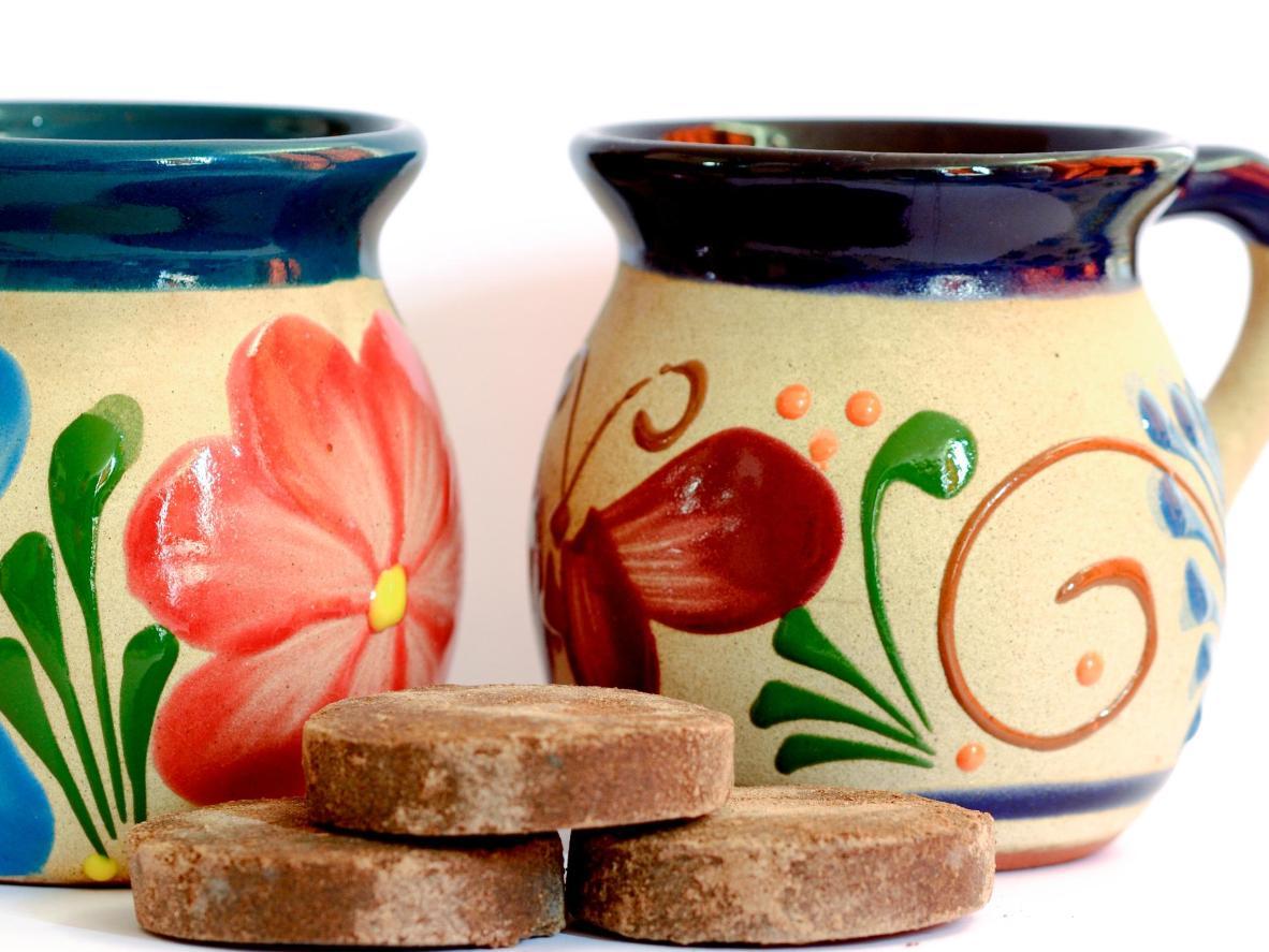 墨西哥的热巧克力通常包装成圆形或六边形块状出售