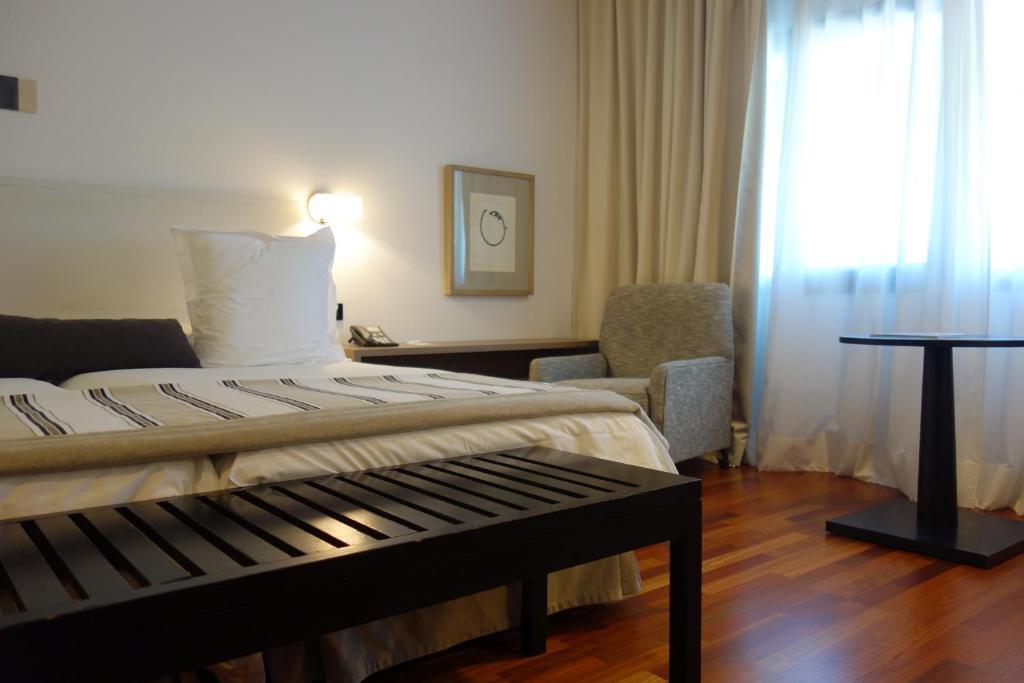 安特奎拉旅馆客房内的一张或多张床位
