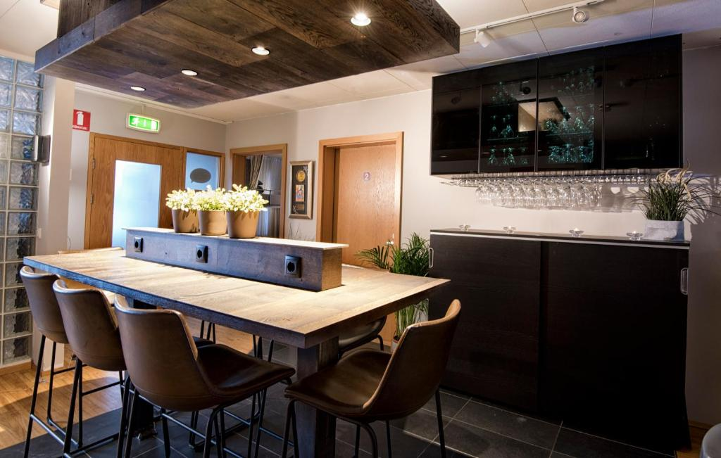 B14旅舍的厨房或小厨房