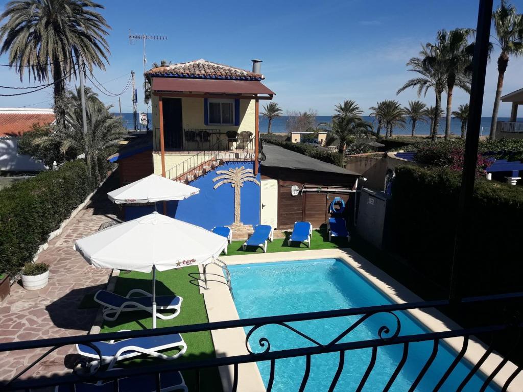 Hostal Oasis内部或周边泳池景观
