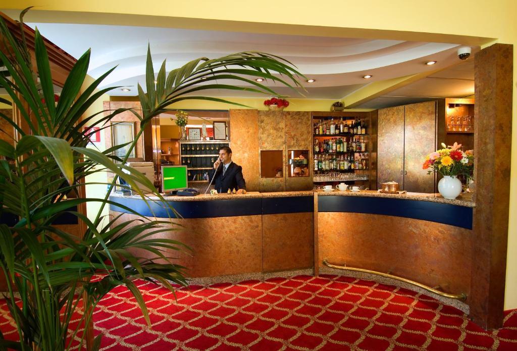 钦昆吉欧那特酒店大厅或接待区