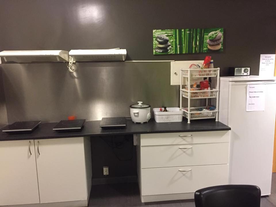 莱特旅舍的厨房或小厨房