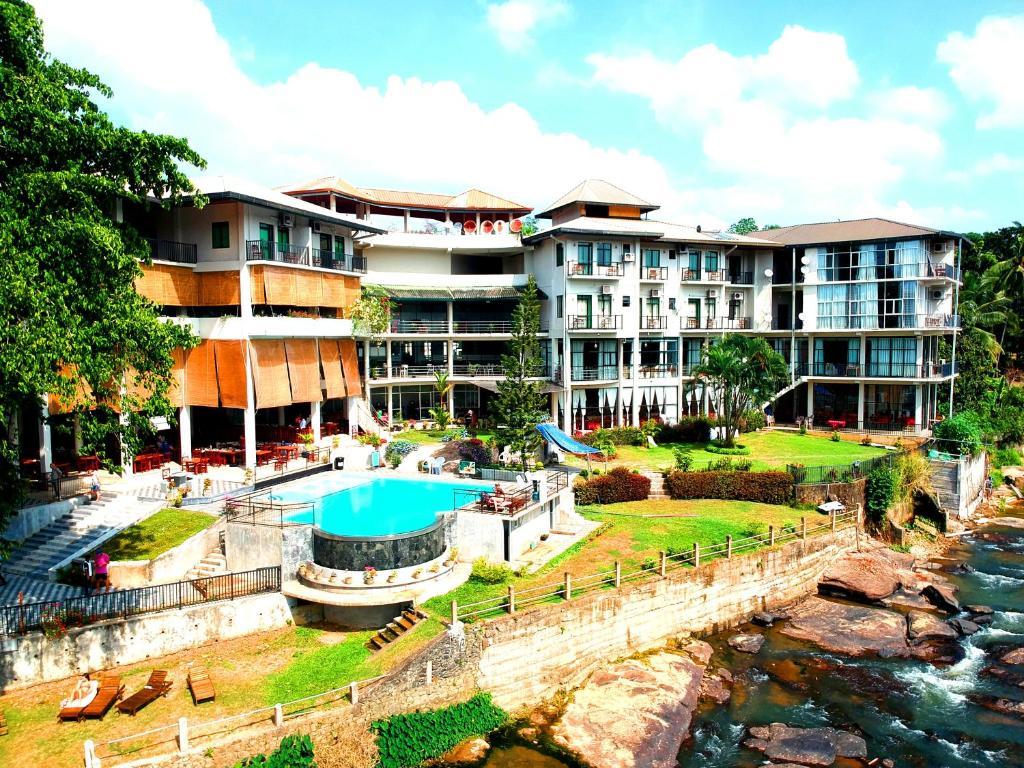 大象湾酒店泳池或附近游泳池的景观