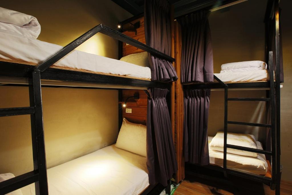 小琉球流浪背包客栈客房内的一张或多张双层床