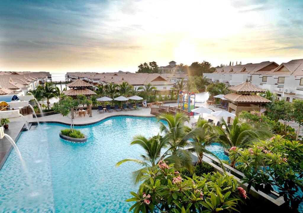 丽昇海上泳池别墅内部或周边泳池景观