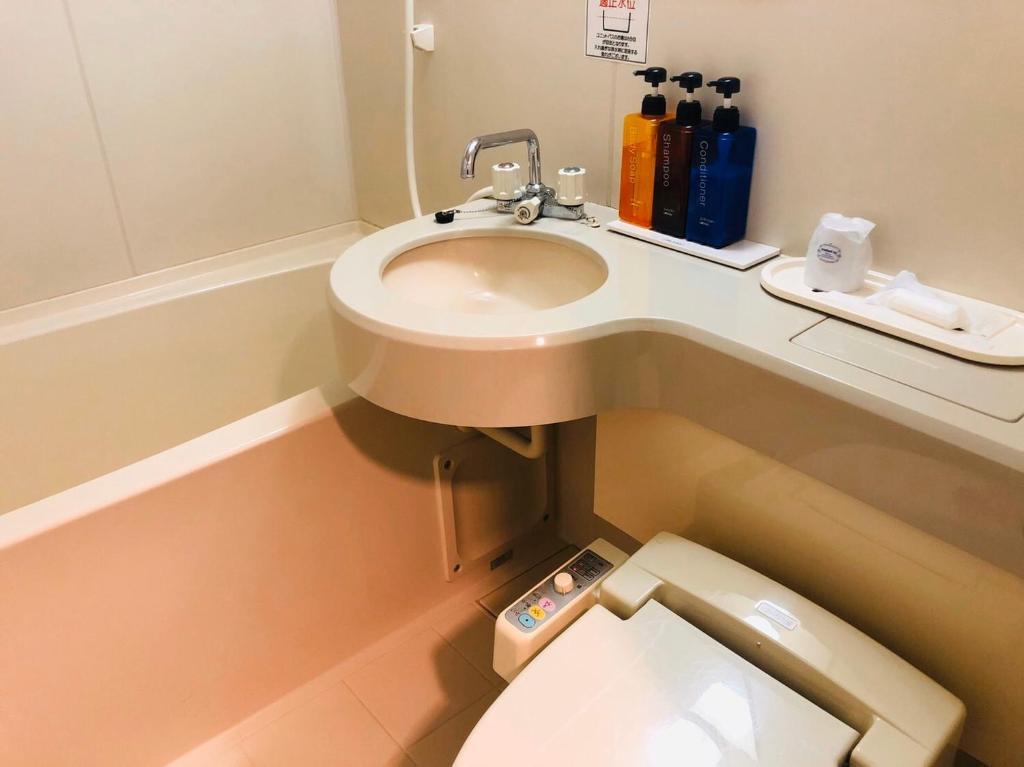 弘前东映酒店 的一间浴室