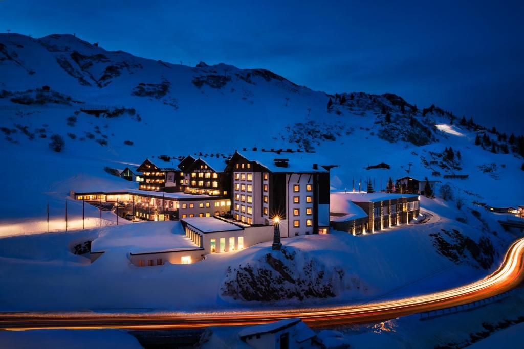 冬天的祖尔瑟霍夫酒店