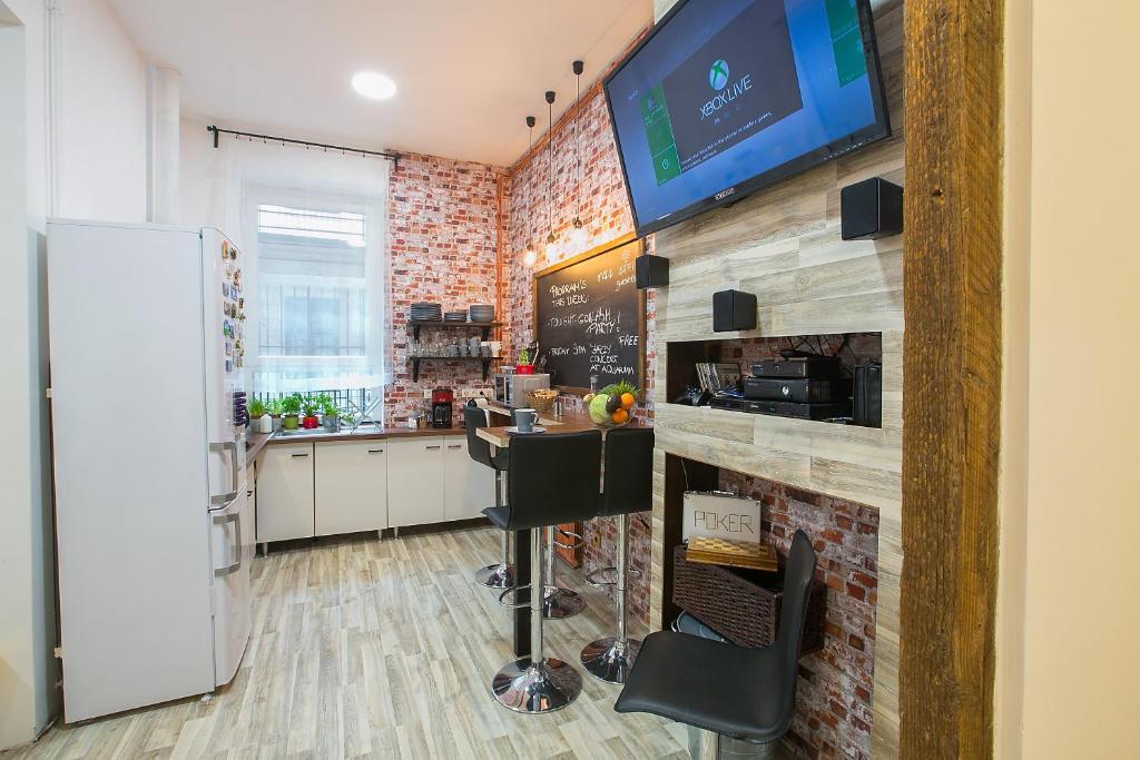 朋友旅馆公寓的厨房或小厨房
