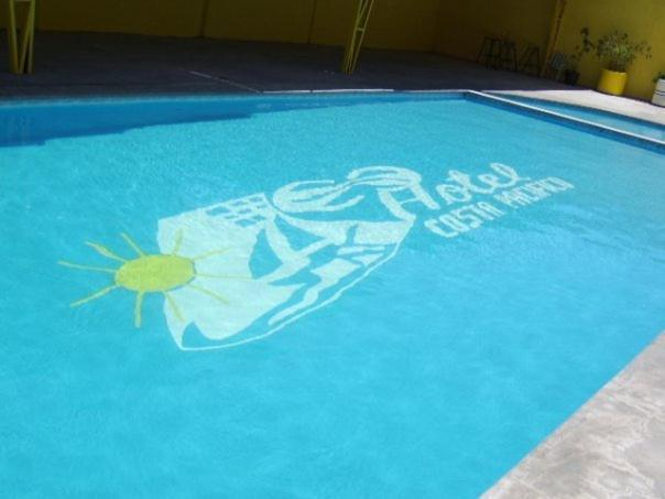 Hotel Costa Pacifico内部或周边的泳池