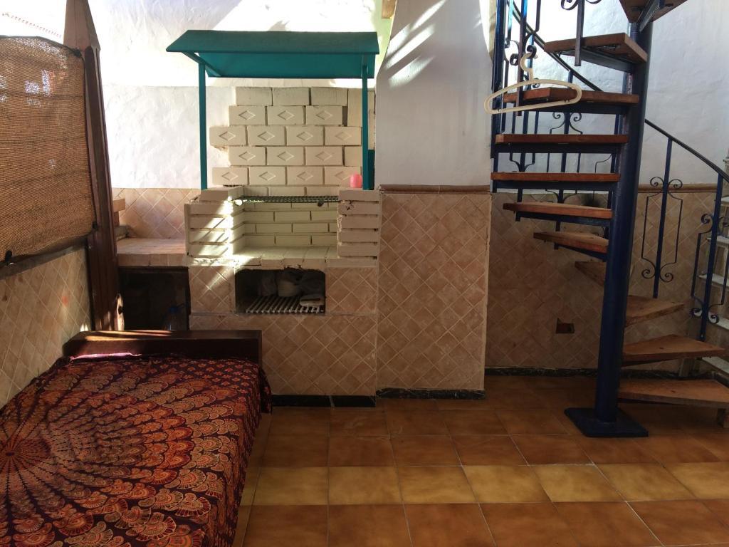 旅舍提供给客人使用的烧烤设施