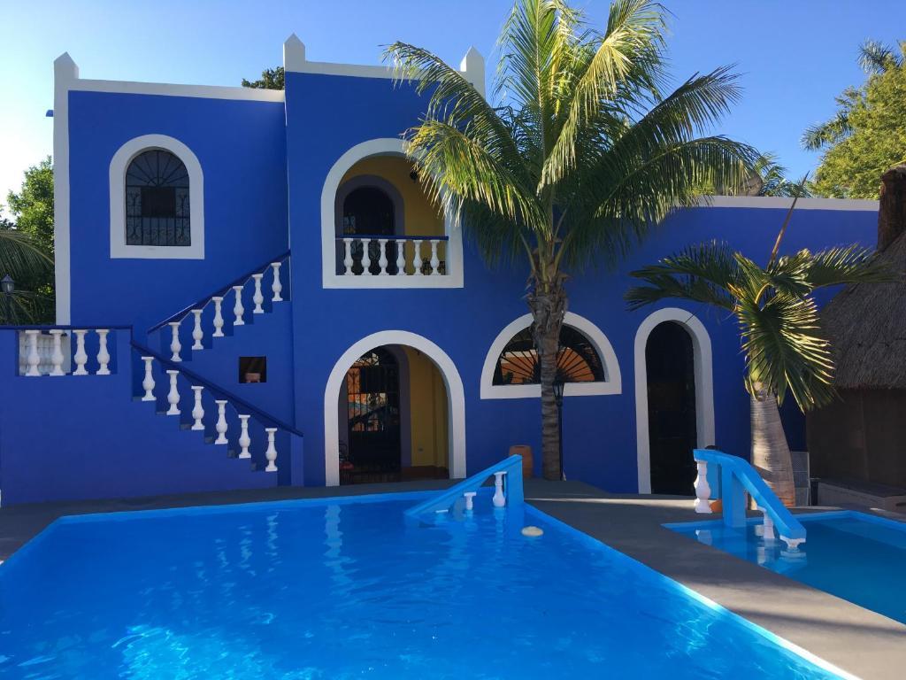 圣佩德罗诺帕特酒店内部或周边的泳池