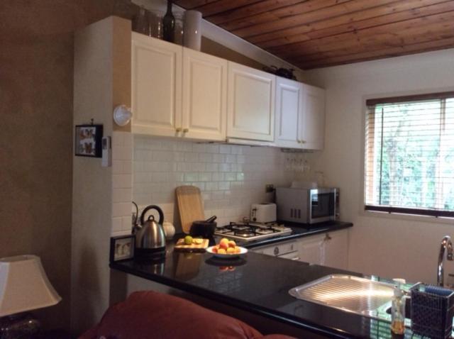班克街度假屋的厨房或小厨房