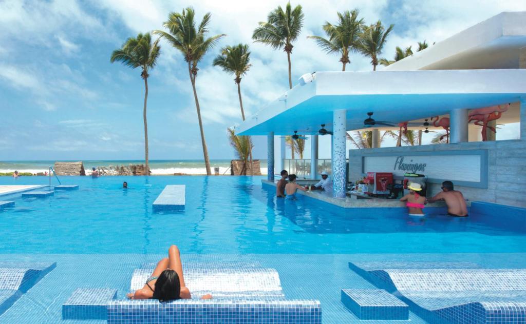 Riu Sri Lanka All Inclusive或附近的游泳池