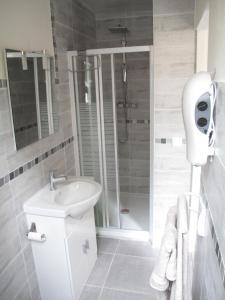 Studio RIGA的一间浴室