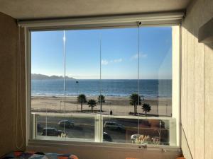 海景或在公寓看到的海景