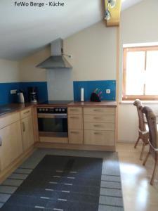Haus Ellerbeck的厨房或小厨房