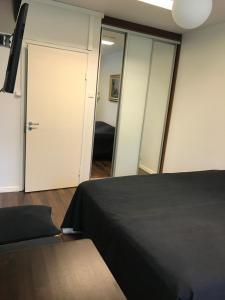 麦恩缇里纳酒店客房内的一张或多张床位
