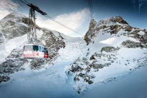 冬天的B-Inn Apartments Zermatt