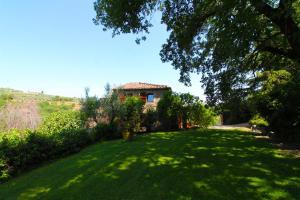 Villa Gioiosa外面的花园