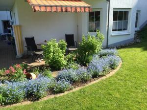 Ferienwohnung Kraft外面的花园