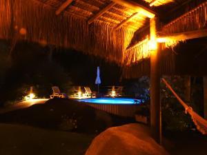 Sítio Rodamonte内部或周边的泳池