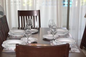 Eh Homes Las Condes餐厅或其他用餐的地方