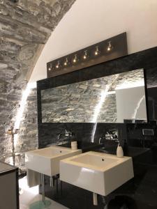 比安卡公寓的一间浴室