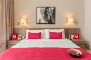 深圳雅诗阁美伦服务式公寓客房内的一张或多张床位