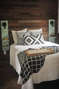 The Harmony Oaks Homestead客房内的一张或多张床位