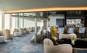 Hilton Garden Inn London Heathrow Terminal 2 and 3酒廊或酒吧区