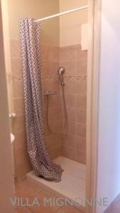 Villa Mignonne的一间浴室