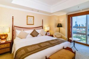 青岛颐中皇冠假日酒店客房内的一张或多张床位