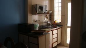 Casa no Peró的厨房或小厨房