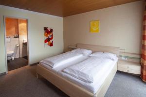 加尼碧姬酒店客房内的一张或多张床位