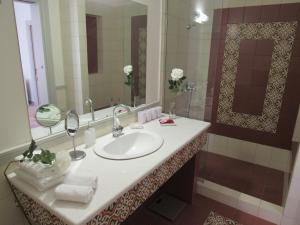 克拉美恩公寓的一间浴室