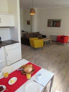 克拉美恩公寓餐厅或其他用餐的地方