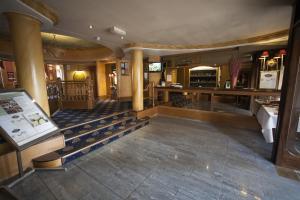 阿可仑皇家剑桥酒店大厅或接待区