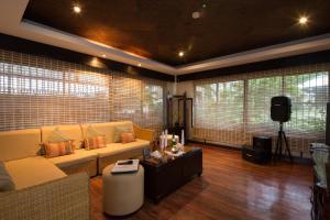 长滩岛阿兰达度假酒店酒廊或酒吧区