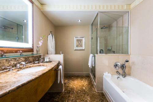 纽约索菲特酒店的一间浴室