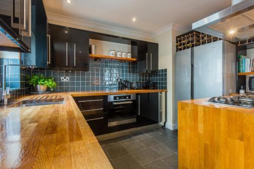 布莱顿码头桦树公寓的厨房或小厨房
