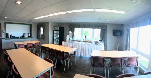荷兰学院格伦德宁大厅公寓式酒店餐厅或其他用餐的地方