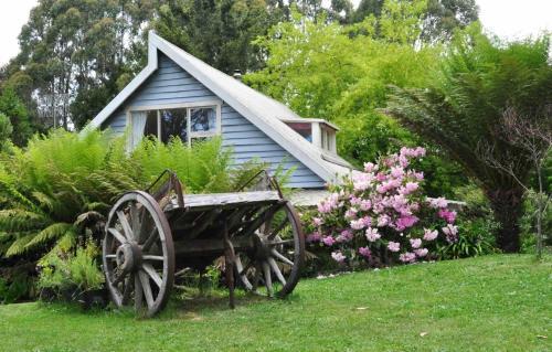 隐蔽休闲度假屋外面的花园