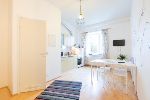 Mereranna Apartments的厨房或小厨房
