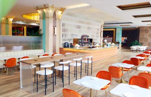 深圳恒丰海悦国际酒店(宝安)餐厅或其他用餐的地方