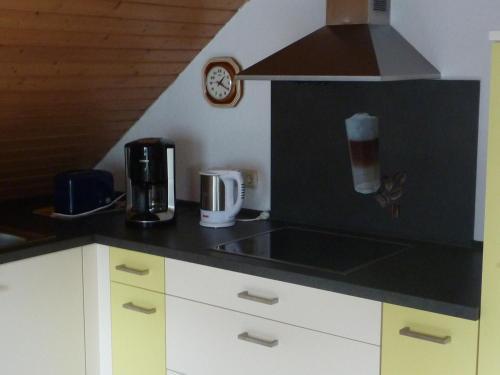 Ferienwohnung Schildwache的厨房或小厨房