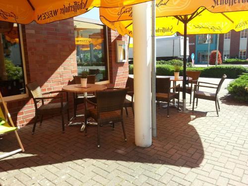 Café Pension Steffen餐厅或其他用餐的地方